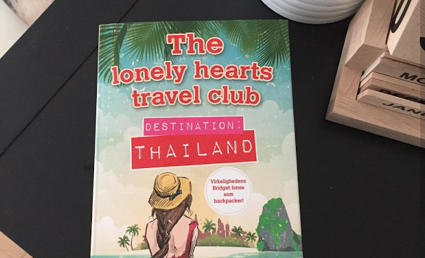 """The lonely hearts Travel Club: Destination Thailand"" af Katy Colins"