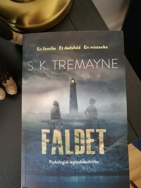 """""""Faldet"""" af S.K. Tremayne"""