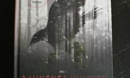 """""""Ravnenes hvisken – bog 1"""" af Malene Sølvsten"""