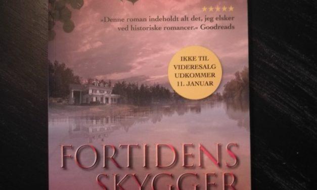 """""""Fortidens skygger"""" af Kelli Estes"""