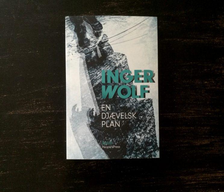 """""""En djævelsk plan"""" af Inger Wolf"""
