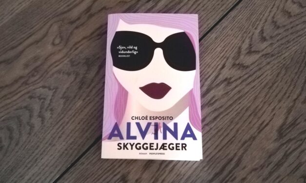 """Alvina: Skyggejæger"" af Chloé Esposito"