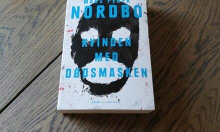 """""""Kvinden med dødsmasken"""" af Mads Peder Nordbo"""