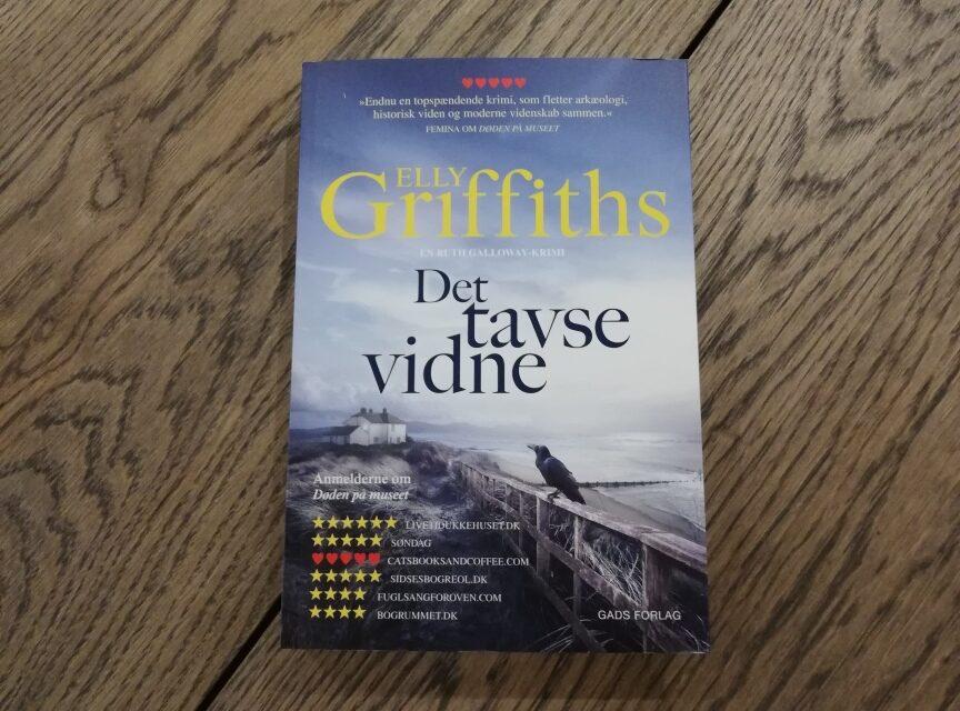 """""""Det tavse vidne"""" af Elly Griffiths"""