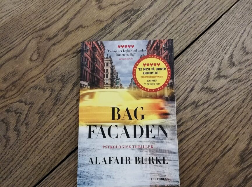 """Bag facaden"" af Alafair Burke"
