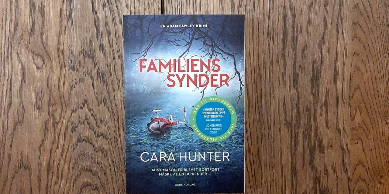"""""""Familiens synder"""" af Cara Hunter"""