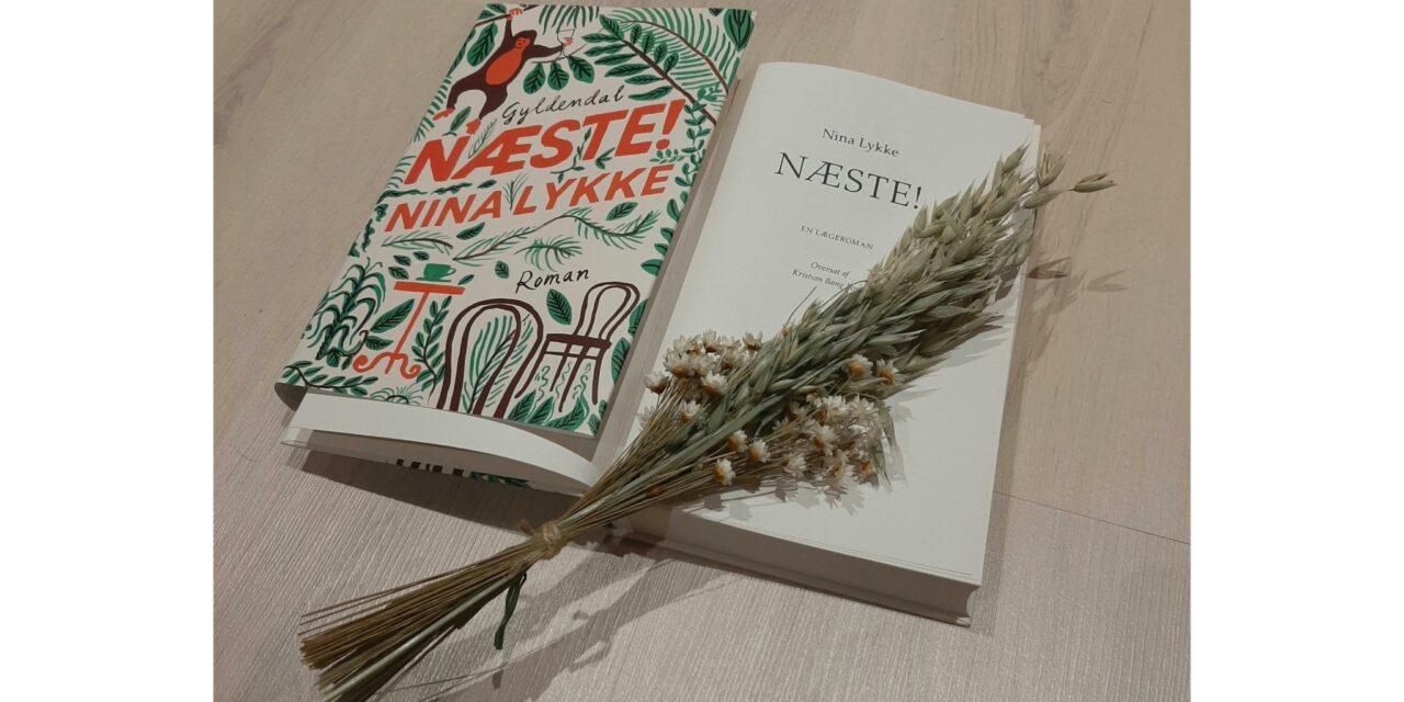 """""""Næste!"""" af Nina Lykke"""