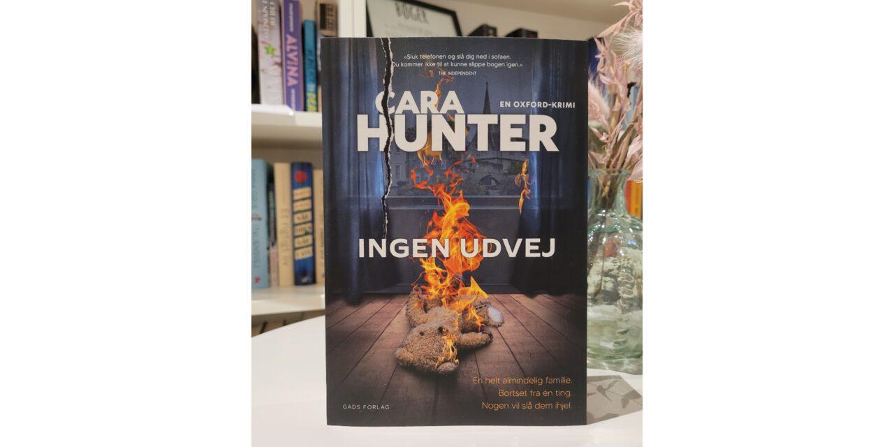 """""""Ingen udvej"""" af Cara Hunter"""