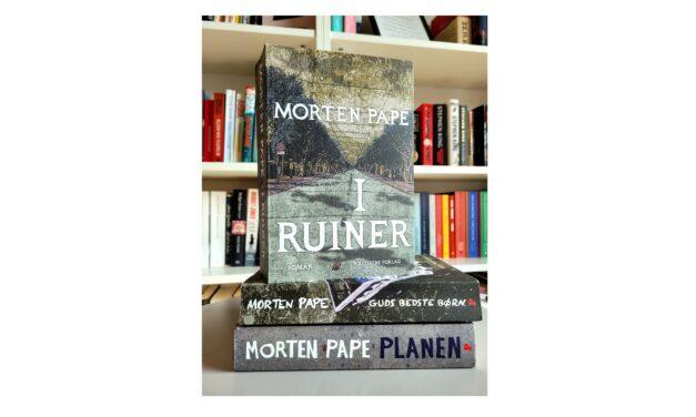 """""""I ruiner"""" af Morten Pape"""